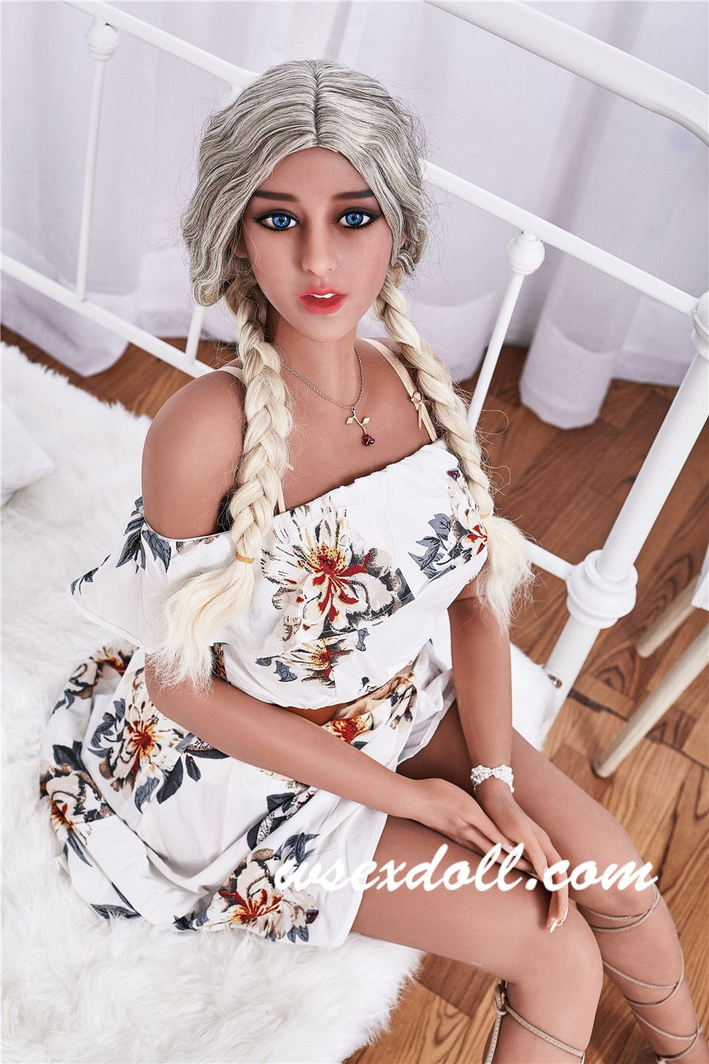 Full Body Realistic Tpe Sex Doll With Blonde Hair